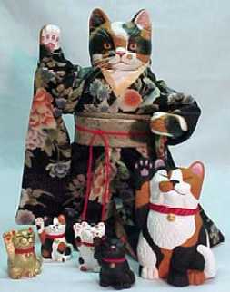tyber                                   katz maneki neko carved wooden doll